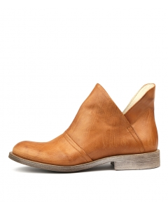SQUINNY TAN LEATHER